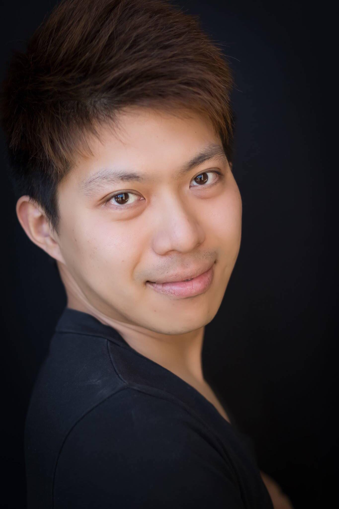 Countertenor: Yichen Li  Faculty at University of Illinois Springfield, Illinois College. Check out his website at  http://www.yichenli.com/