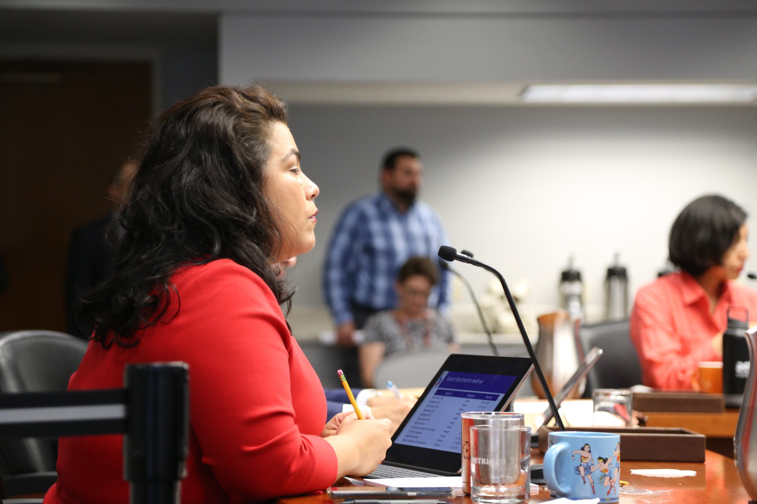 Councilwoman Viagran listens to Dr. Baray at the B-Session meeting. (Photo Credit:  GA Media Productions )