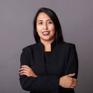 Dr. Adriana Rocha Garcia.