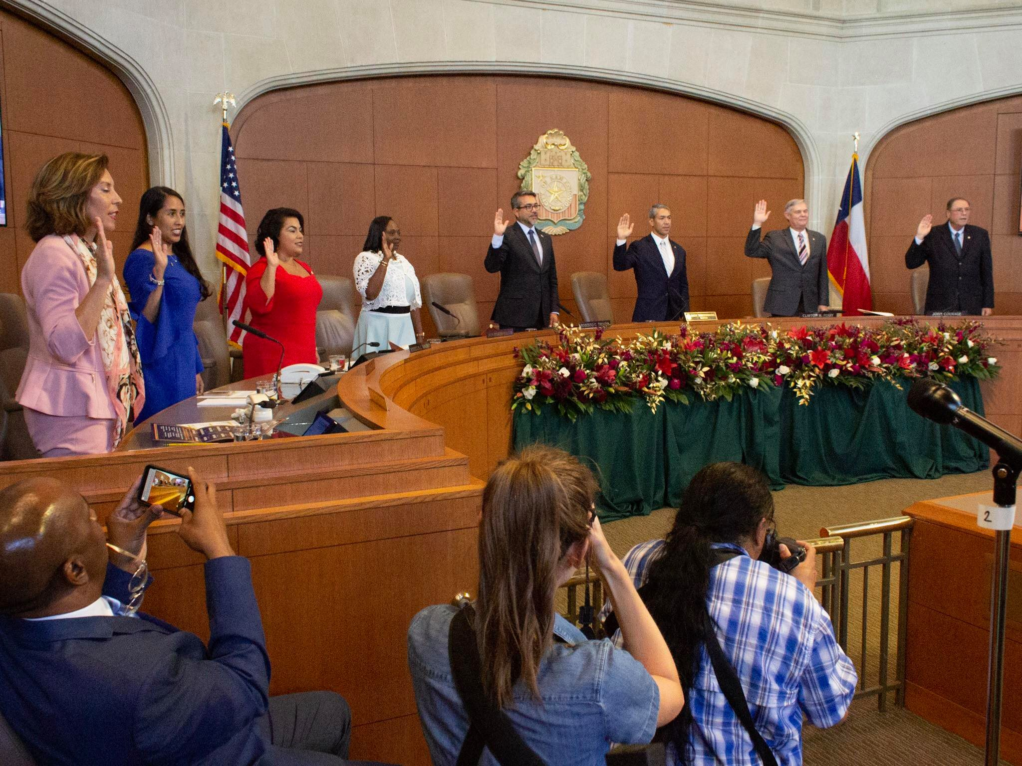 The new council members take their oath of office. (Photo by  William TImmerman )