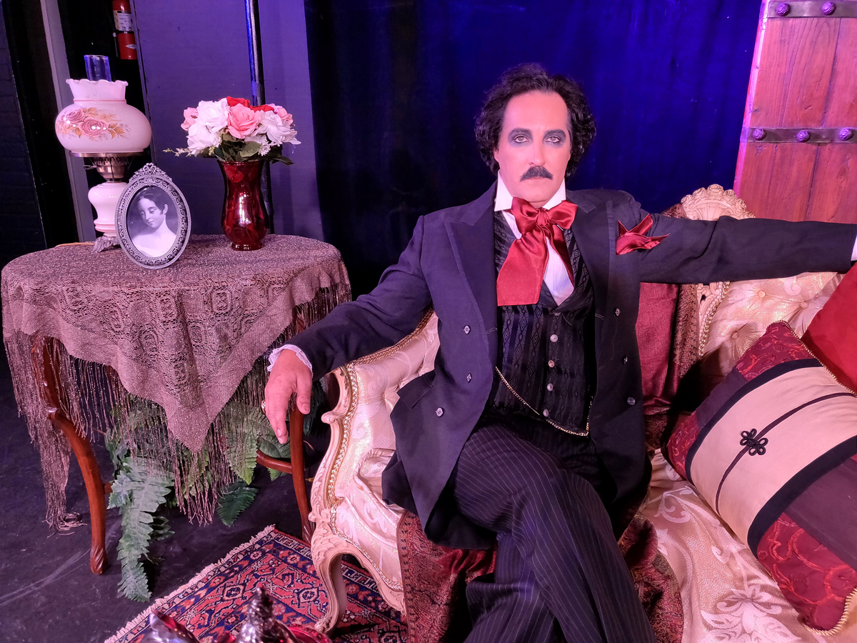 Derek Berlin as Edgar Allen Poe. (Photo by Jade Esteban Estrada)