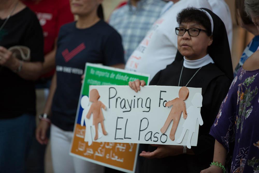 Richter_Kay_2019_El_Paso_vigil004.jpg
