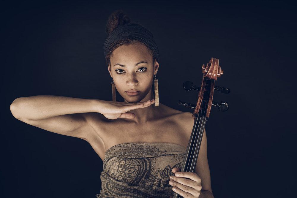 Mela Marie Spaemann - Cellist & singer-songwriter