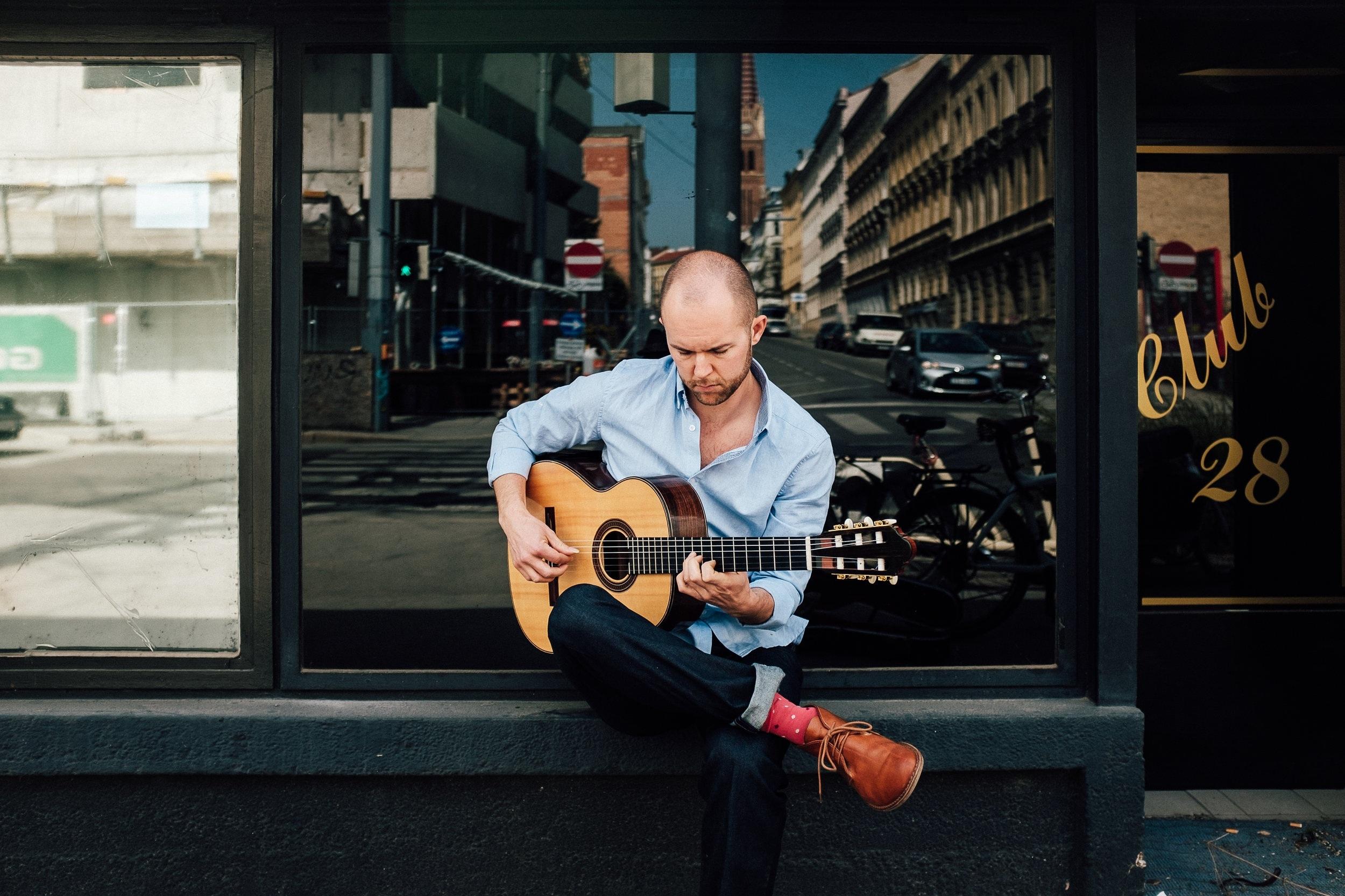 Jonas Skielboe - Guitar