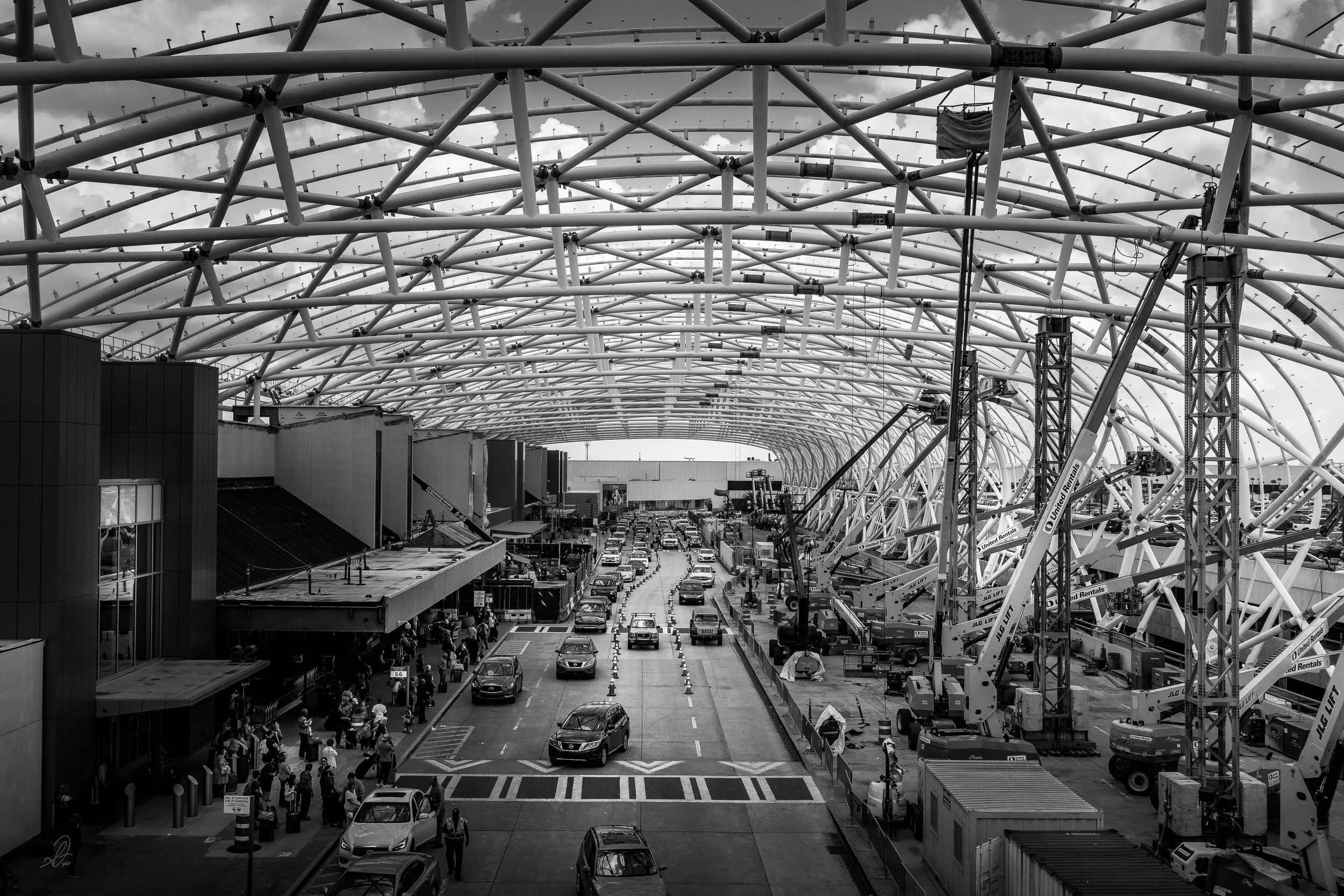 Canopy Construction at the South Terminal Passenger Drop-off