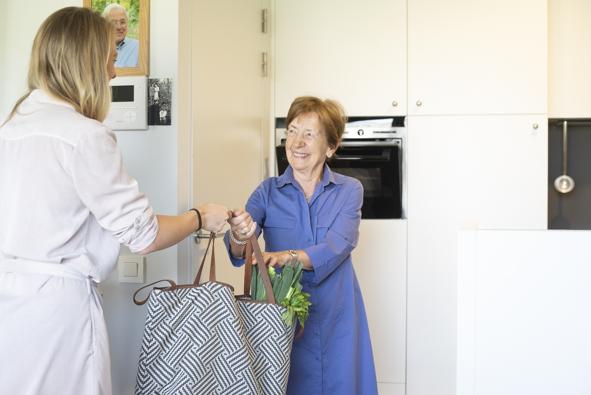 Boodschappendienst - Bewoners van assistentiewoningen kunnen gebruik maken van deze dienst. Geef ons uw lijstje en uw boodschappen worden snel geleverd.
