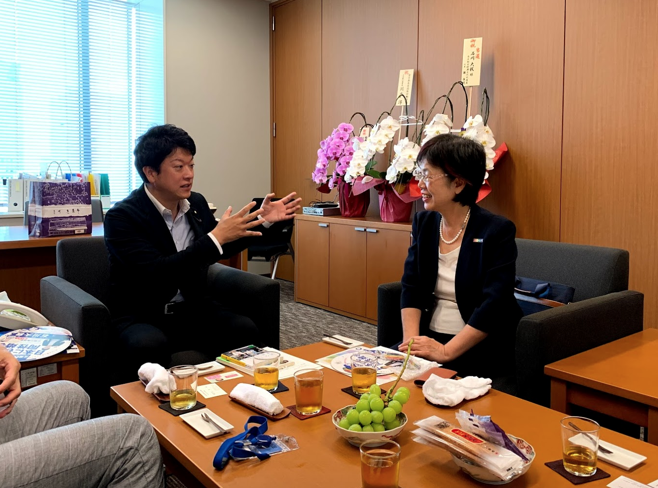 Taiga Ishikawa of Japan (left) meets with Yu Mei-Nu of Taiwan (right).  © Global Equality Caucus