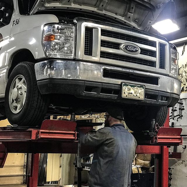 Starting our Tuesday morning off with a PM service on this '12 Ford E250! (and coffee ☕️) . . . . . . #preventitivemaintenance #trucking #denver #localbusiness #coloradotrucking #repairshop #automotive #oilchange #dieseltrucks #suspension