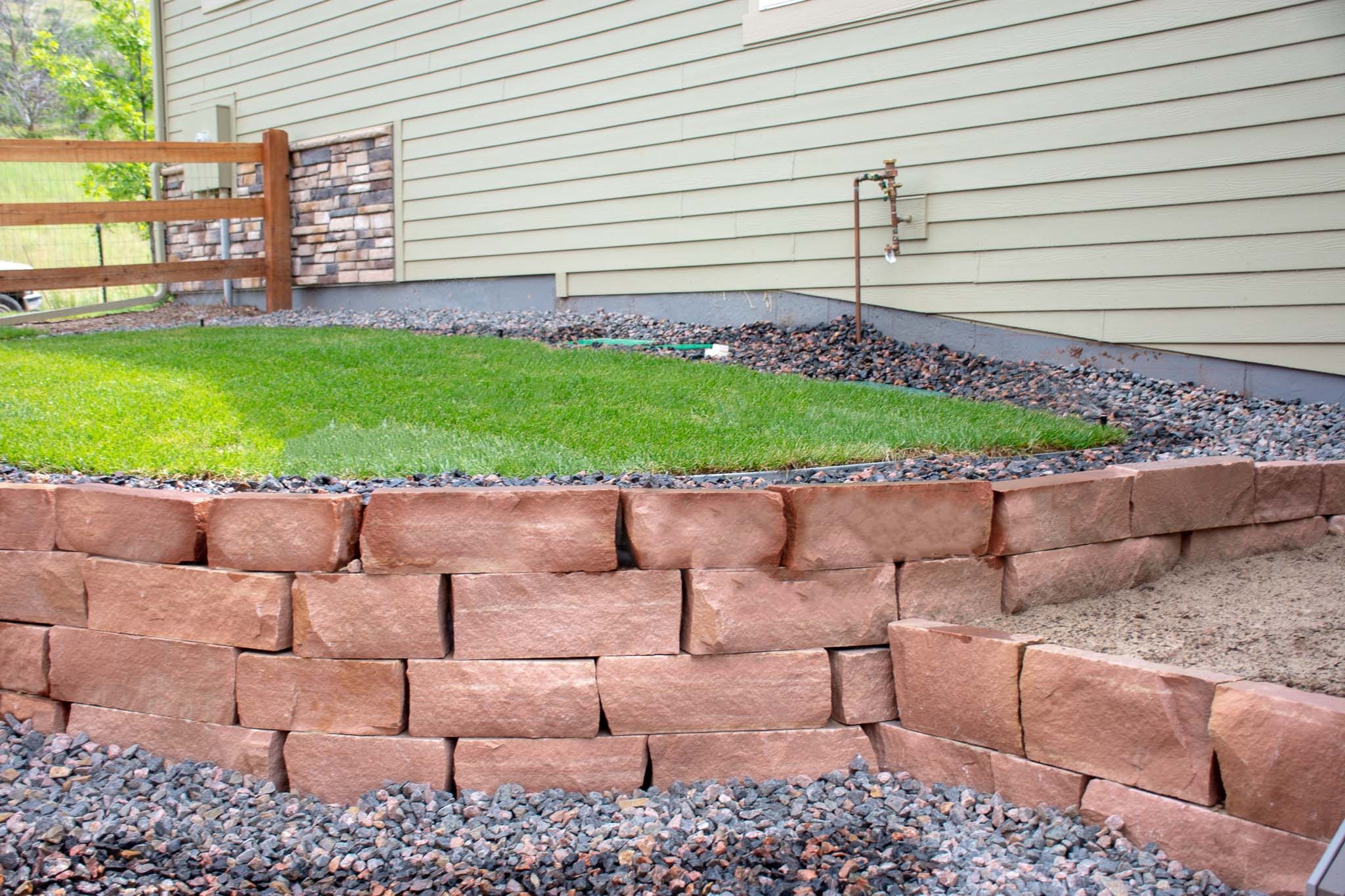 Natural style retaining wall - Lyons, CO 2019