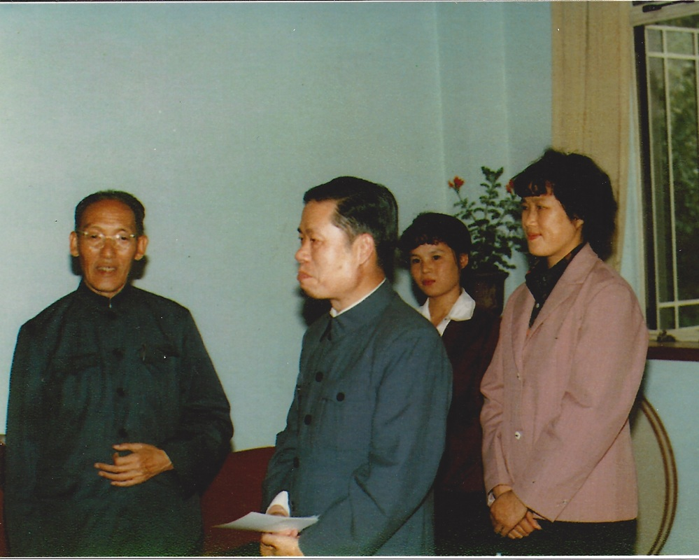 Grandmaster Cheng (third from left) visiting her Tai Chi teacher Li Tianji (far left).