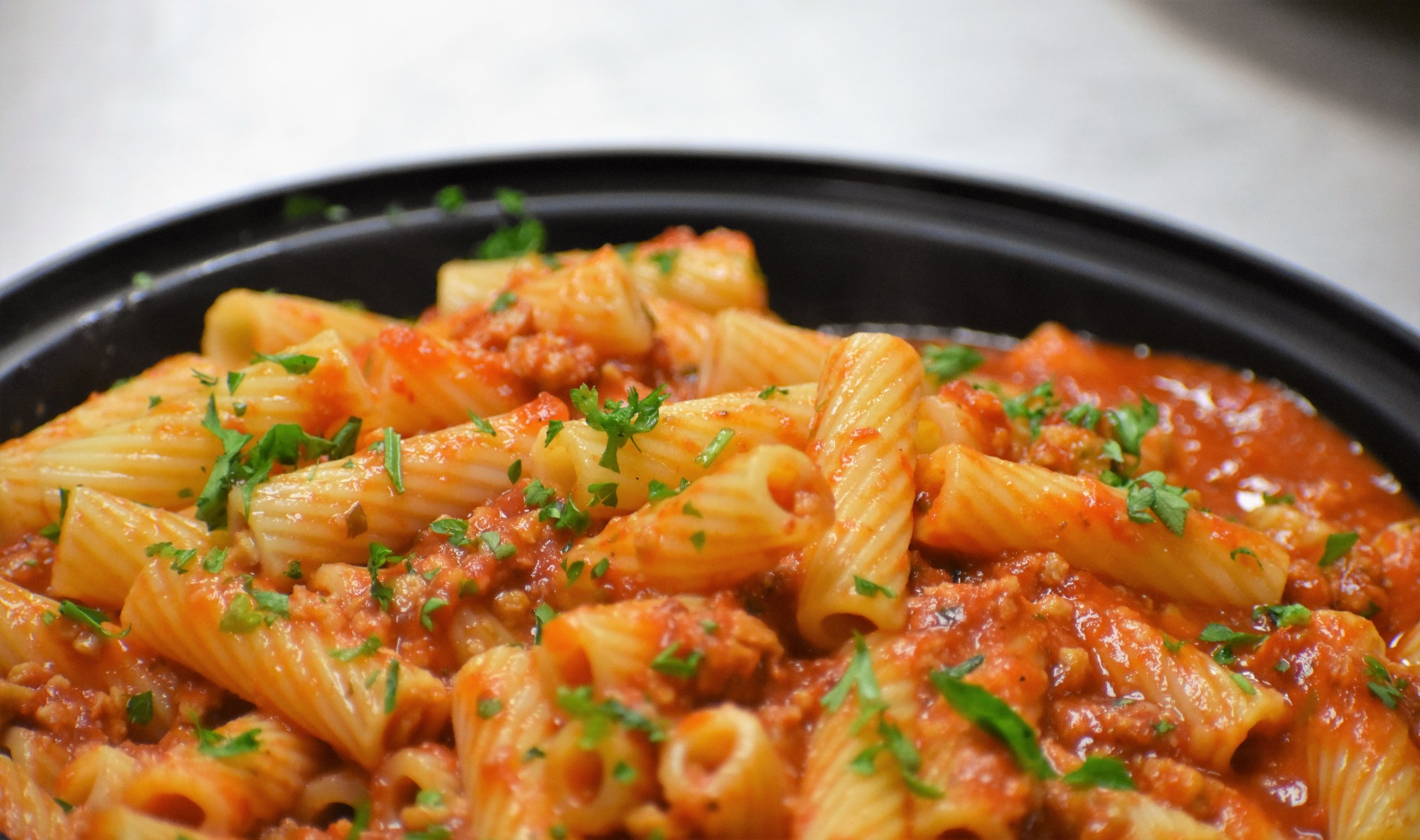 FEATURED ENTREE: RIGATONI WITH MEAT SAUCE