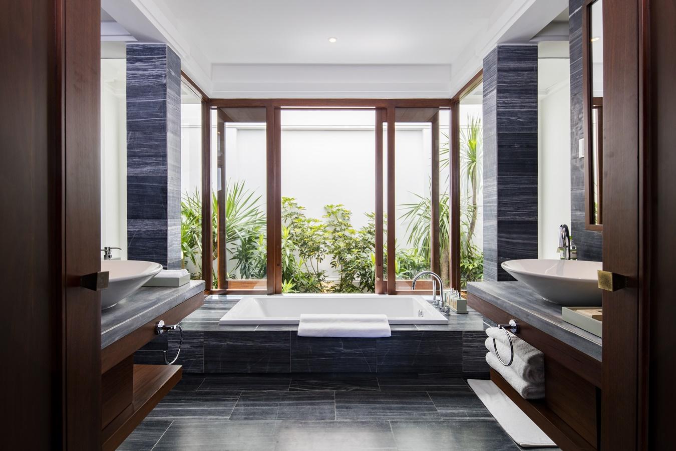 The Anam Garden View Villa_Bathroom.jpg