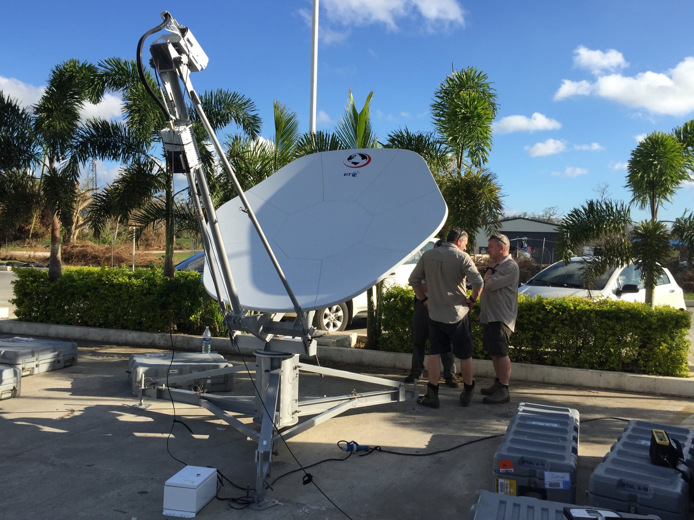 Deployable VSAT System