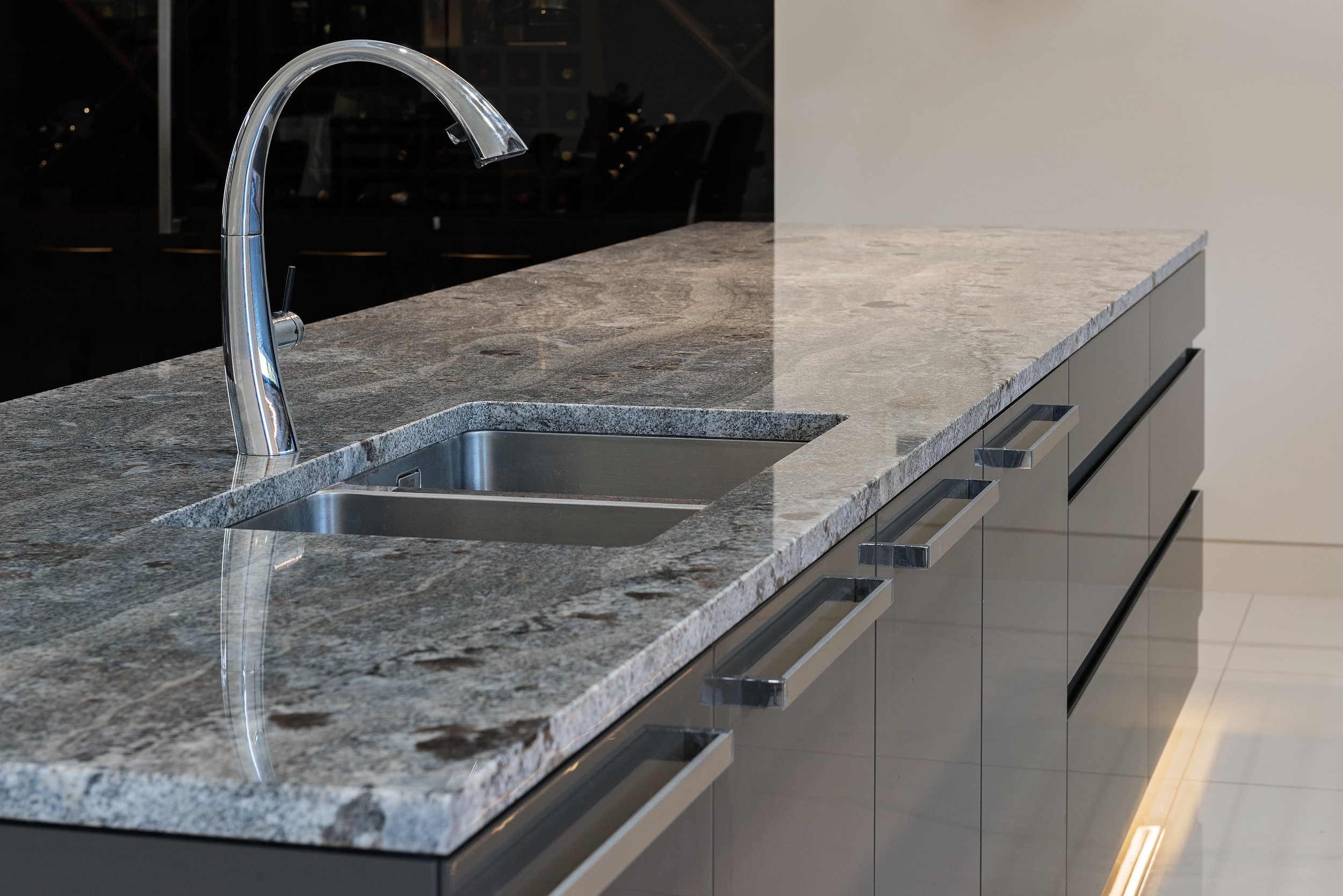 Blu Araras - Granite