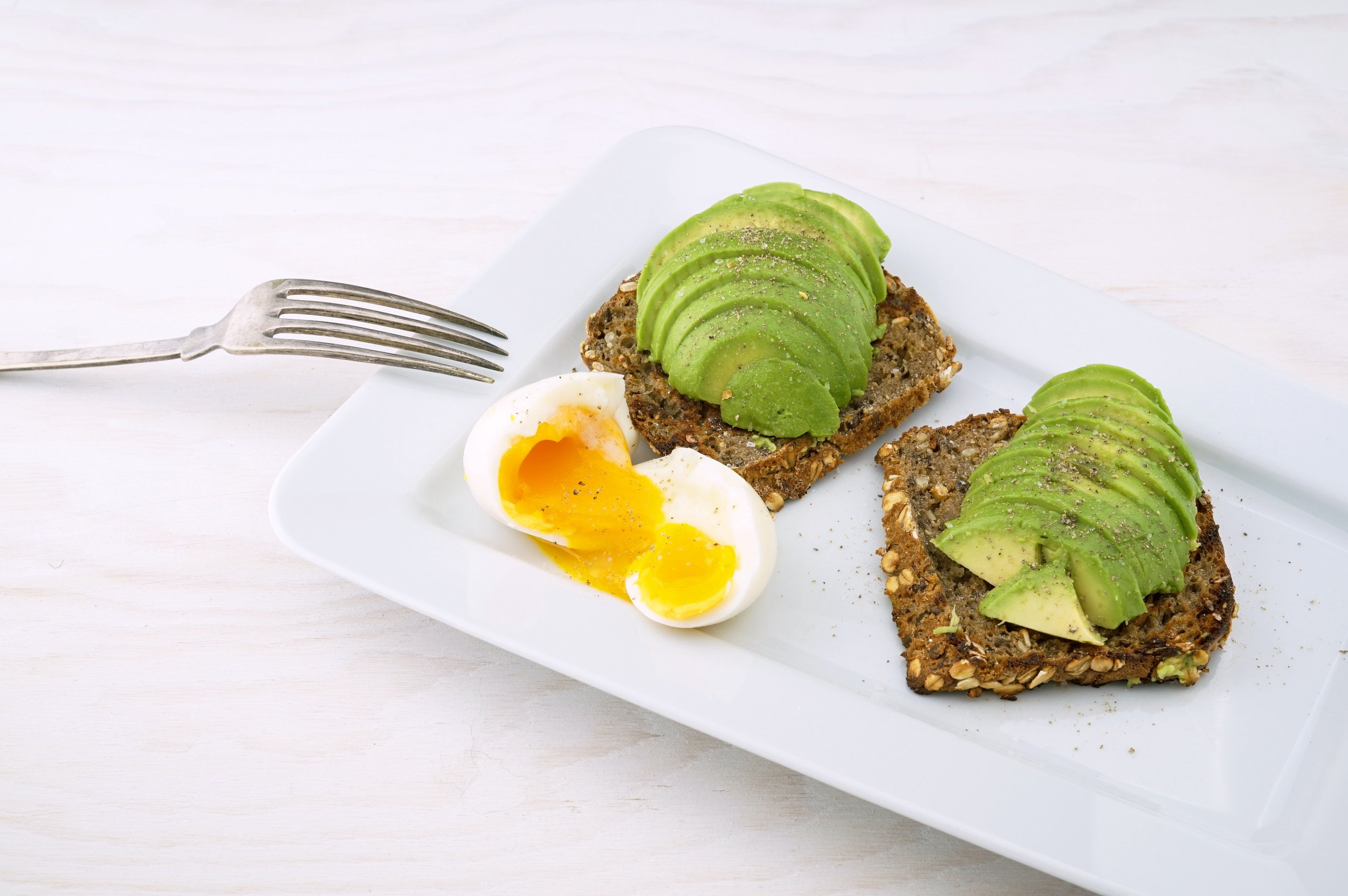 avocado-toast-with-eggs