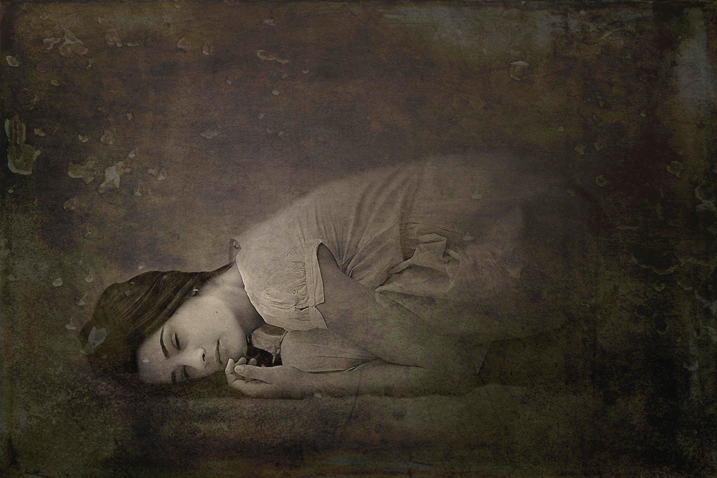 artistic female portrait-free natural light portrait tutorials-sepia toned portrait.jpg