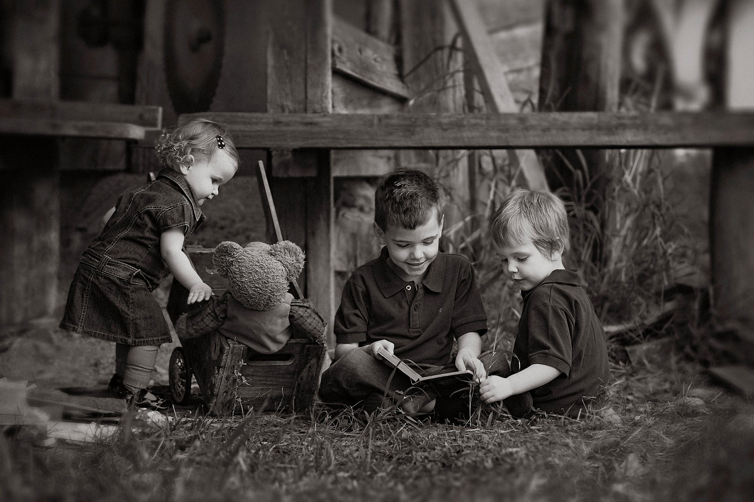 Gallery-kids portraits-black and white portraits-portraits.jpg