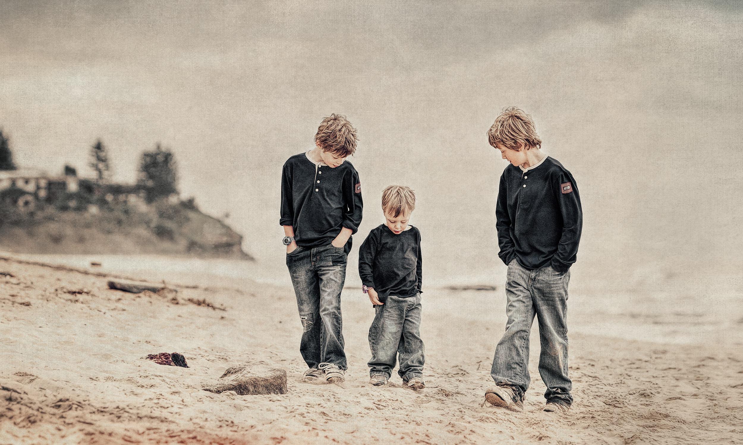 natural-light-boys-beach.jpg