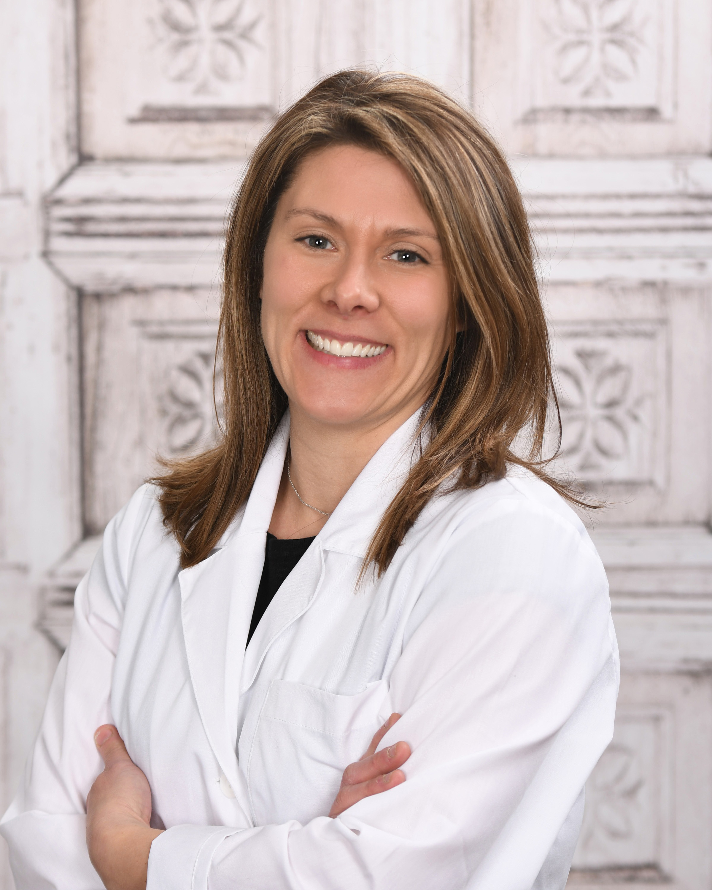 Hillary Howell, PharmD - Hillary, Founder of Apothecary & Co has been in the pharmacy business over 20 years and has practiced as a pharmacist for 15 years. Hillary enjoys involving herself in many community pharmacy projects and is always interested in learning new aspects of health and wellness. She is continually seeking to learn about new integrative functional medicine health topics as well as herbs and herbalism. She is currently enrolled in a Certified Nutritionist Consultant program. When she is not working, Hillary loves to spend time with her 2 boys, rescue horses, and making herbal salves and tinctures.