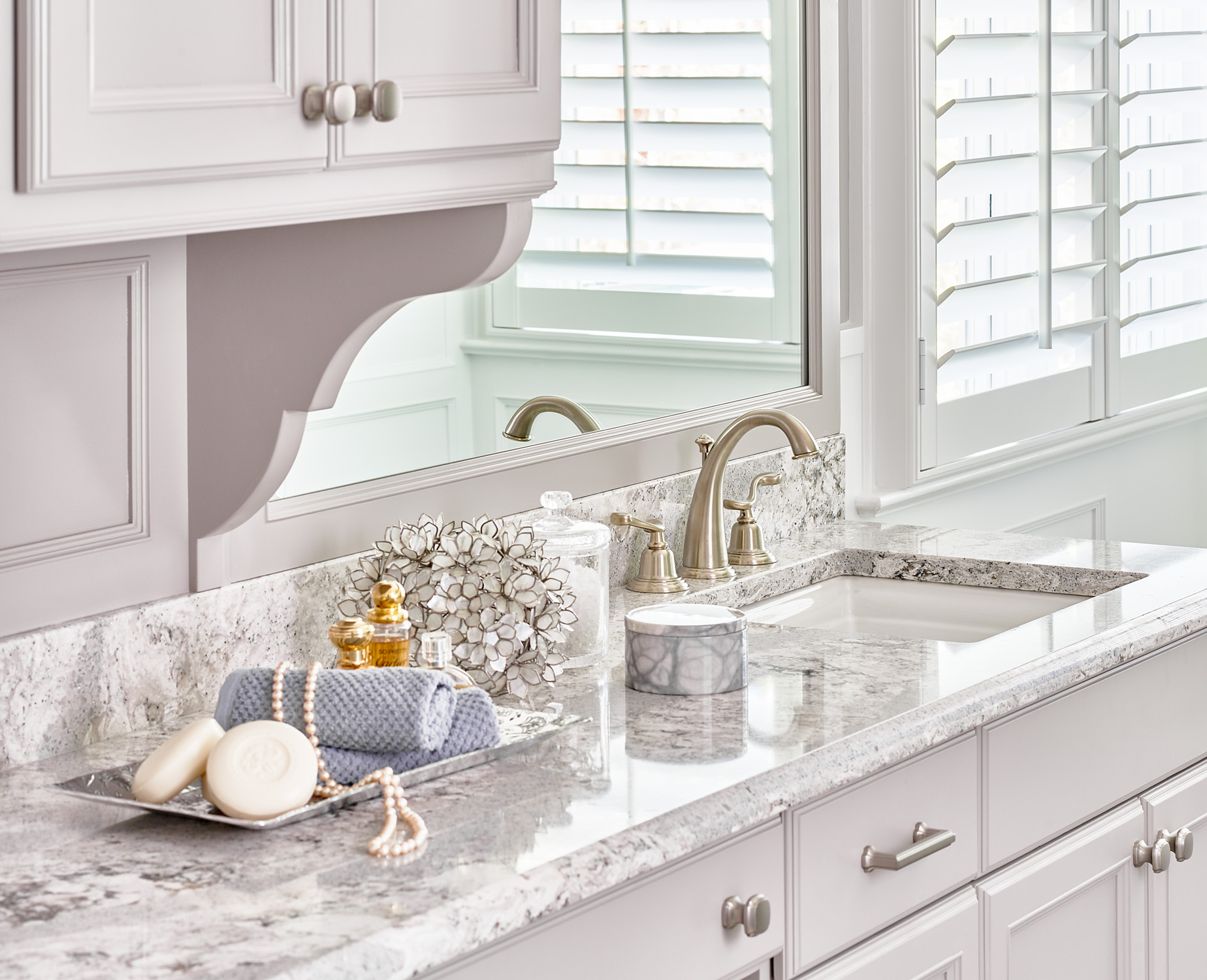 Master bathroom vanity with quartz counters