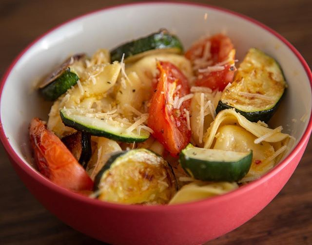 I absolutely loved this dish. Garlic Herb Tortelloni with Tomatoes and Zucchini. I am really enjoying cooking food from Hello Fresh! . . . #menu #roanoke #texture #virginia #photography #HelloFresh #eats #food #foodphotography #Tortelloni #color #Tomatoes #meatballs #pasta #craft #cuisine #culinary #menuphotos #restaurant #foodbusiness #roanokephotographer #virginiaphotographer #yum #tasty #delicious #business #availablephotographer #NorthCarolina #local