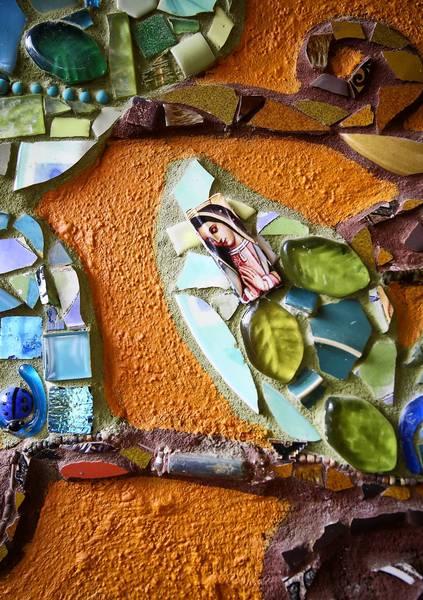 os-mosaic-3-jpg-20130922.jpg