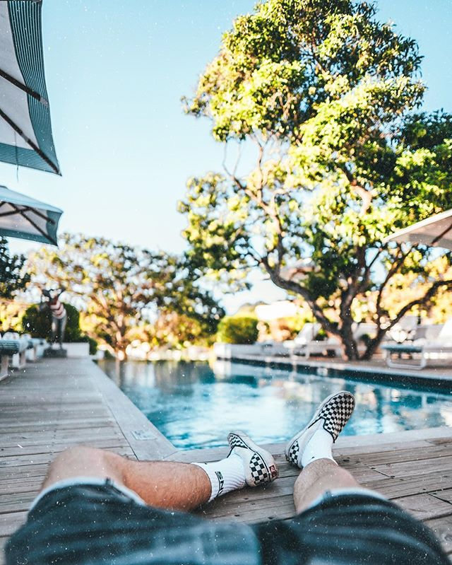 Someone please take me back to lazy afternoons chilling by the pool at @theoldrectoryhotel ? 😩😍