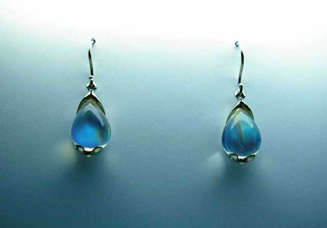 moonstone-earrings.jpg