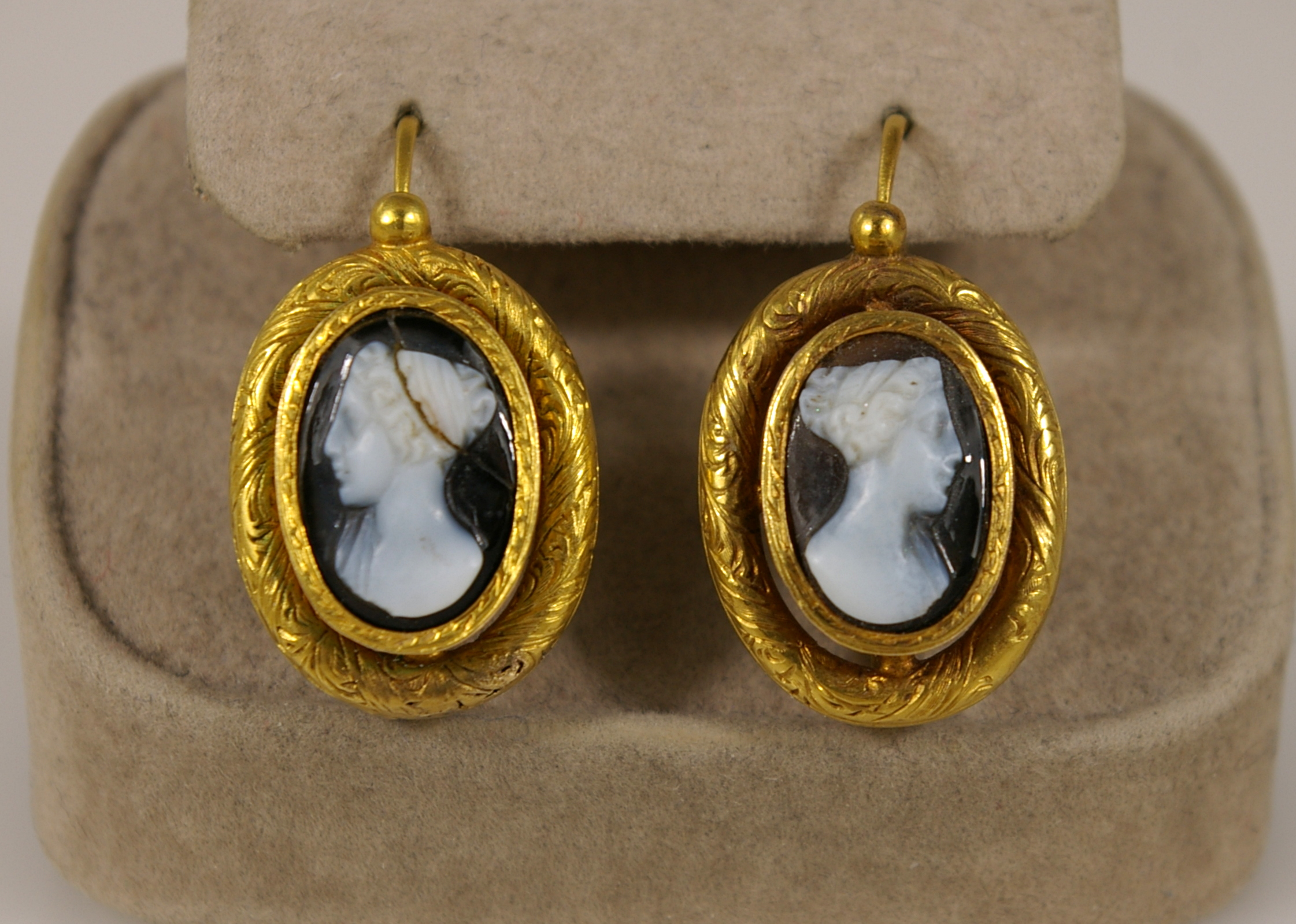 Cameo Stone with 18 Karat Yellow Gold mounting