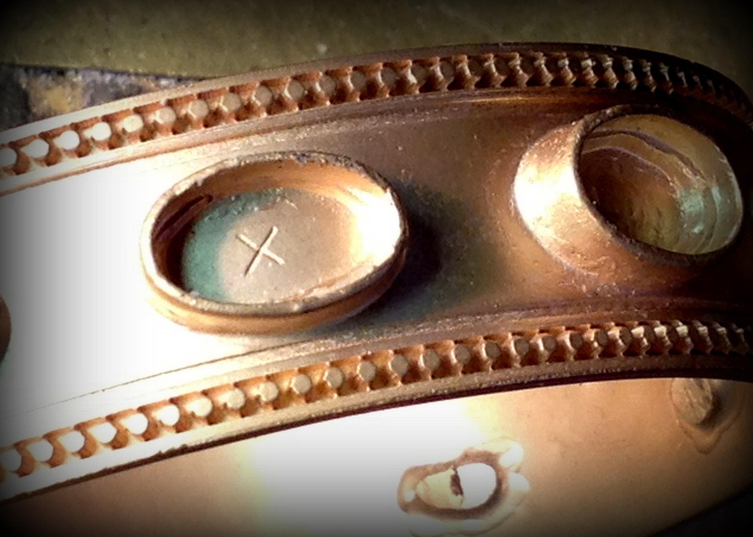 inside-bezel-on-gold-bracelet.jpg