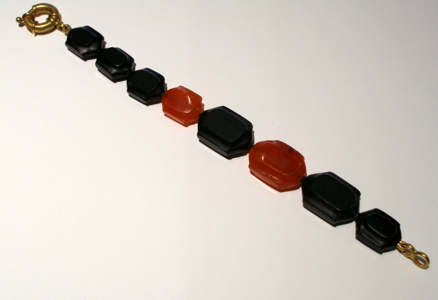 Ghost Bracelet in Black Jade and Carnelian