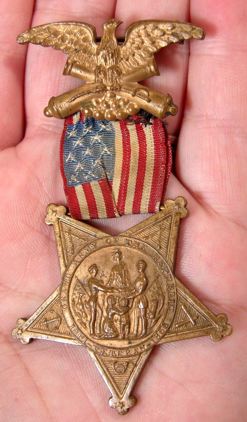 Made of Bronze - The pendant of the badge is a fine pointed star, a facsimile of the Medal of Honor granted by Congress, and is made of bronze from cannons captured at major engagements in the War.