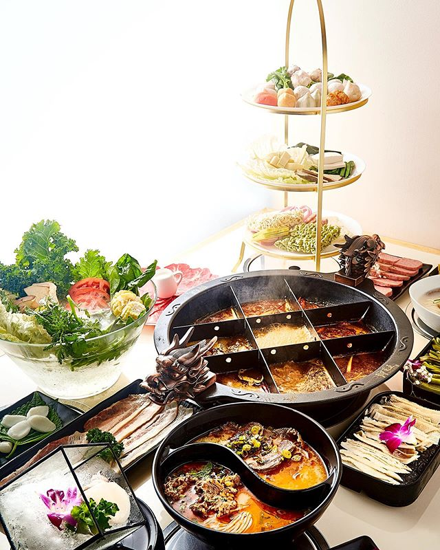 All the goodies are waiting for you❤️For the people who only wants spicy broth, we have the special serving——nine square divided pot. It looks like your Sudoku game right? The purpose is to separate your meat,veggies, seafood and mixed balls for better dining experience. The center section is for meat which tend to cook faster and requires higher temperature; while the outside sections are for other ingredients that need to cook slowly with longer time.  #hotpot #fortleenj#fortlee #nutrition #fortleerestaurants#anytimefitness #hungry #hungryhungry #chinesefood #chinesehotpot#healthyfood#fortleenewjersey#newjersey#georgewashingtonbridge#columbiauniversity#columbiauniversitymedicalcenter#queensnewyork#newopening #timeout #meal #meat #veggie #asianfood #spice #spices#japanesefood#newyork#九宫格火锅