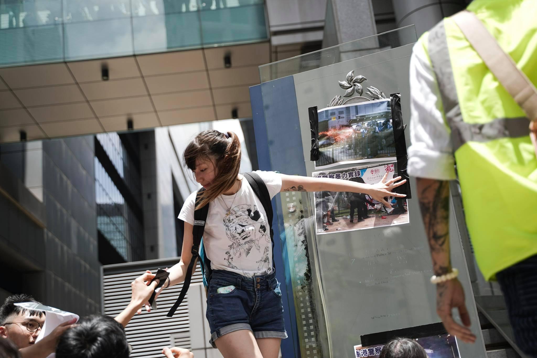香港反《逃犯條例》修法大遊行登上國際媒體版面。圖片來源:黃之鋒 Joshua Wong/Facebook