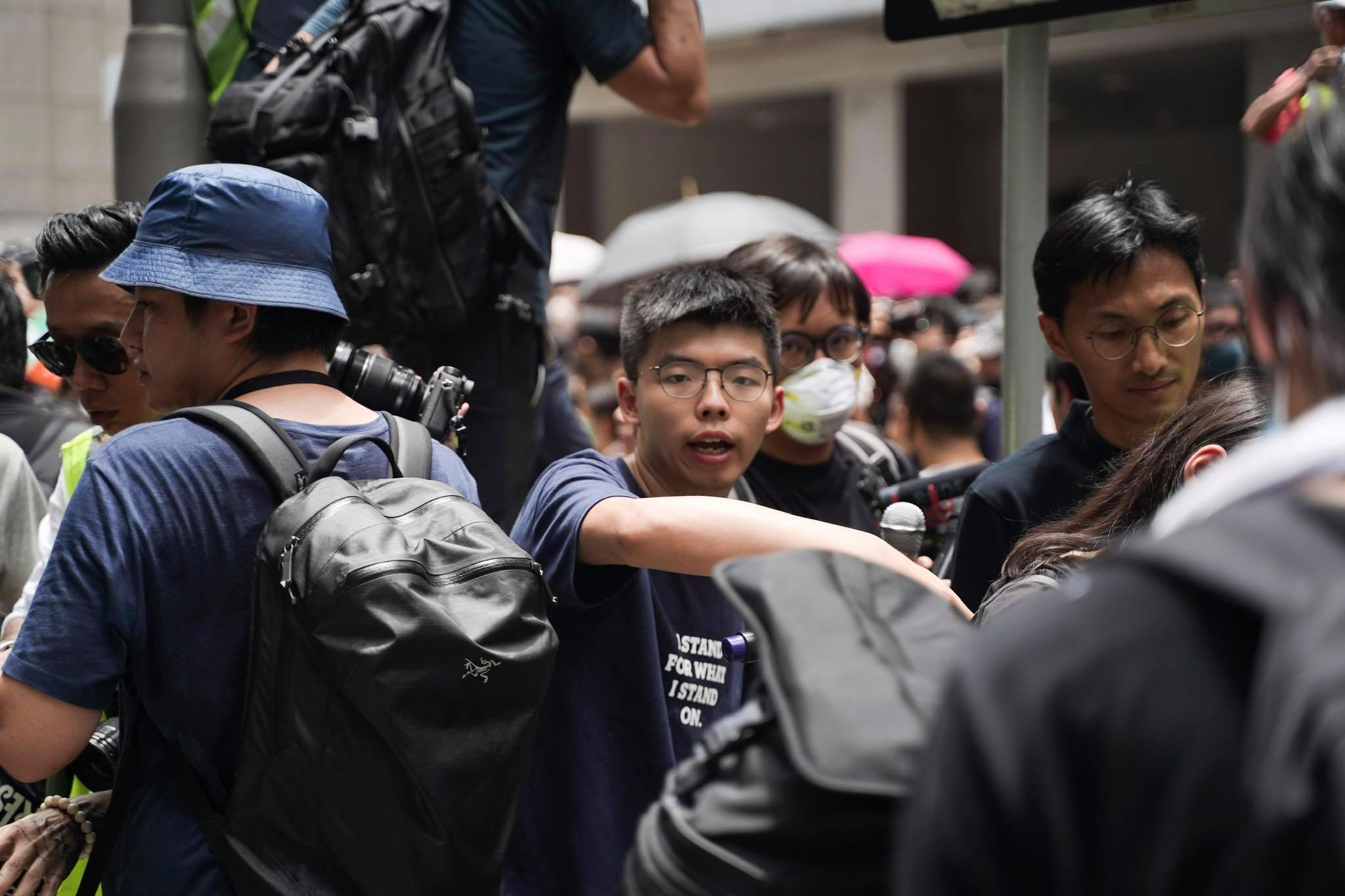 黃之鋒早在2月15日投書媒體警告台灣人,「入境香港恐成李明哲第二」。圖片來源:黃之鋒 Joshua Wong/Facebook