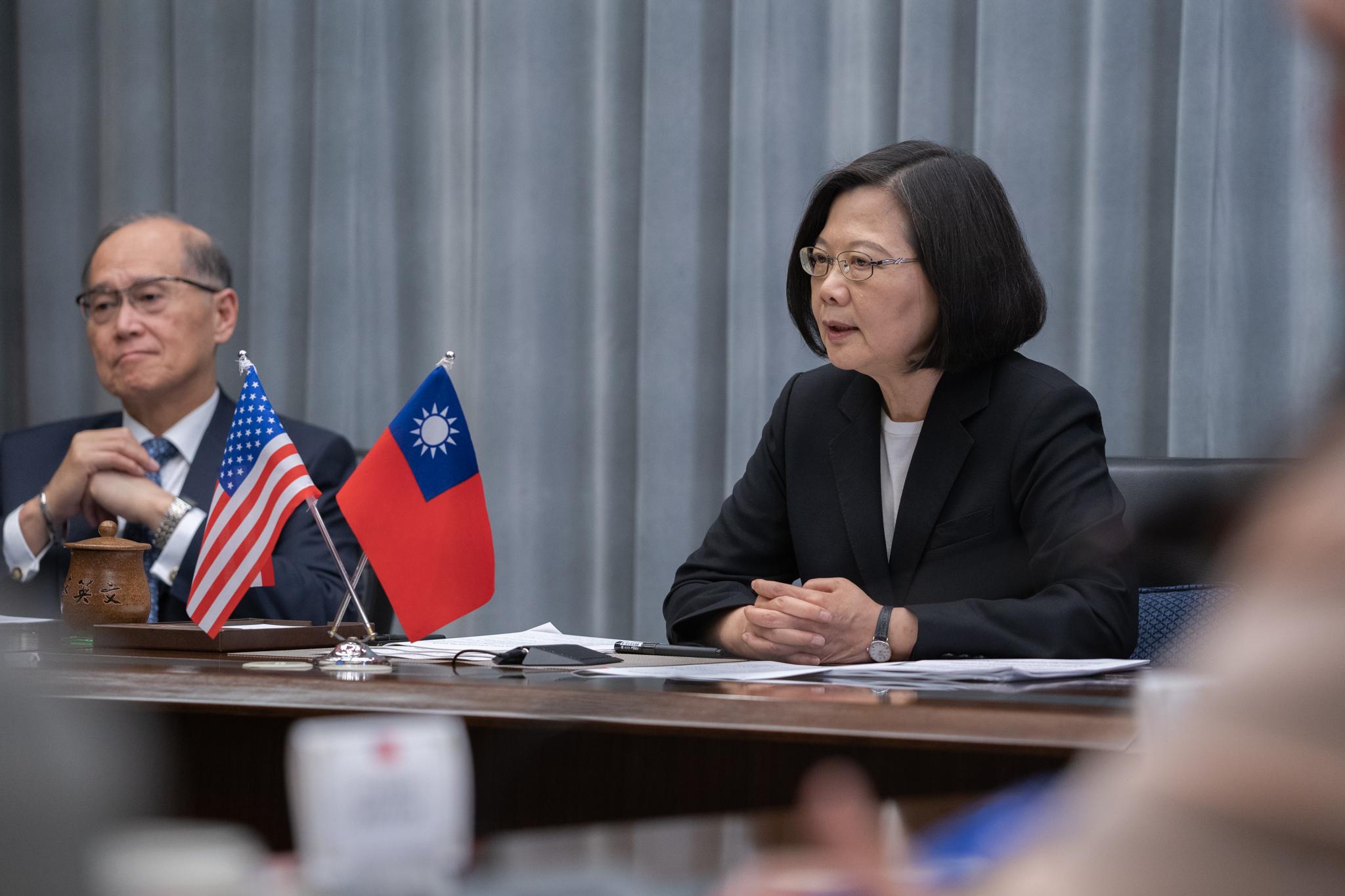 筆者認為,總統蔡英文的內鬥及邪惡本質,其實也和中國國家主席習近平的狡詐不相上下。圖片來源:Taiwan Presidential Office/Flickr