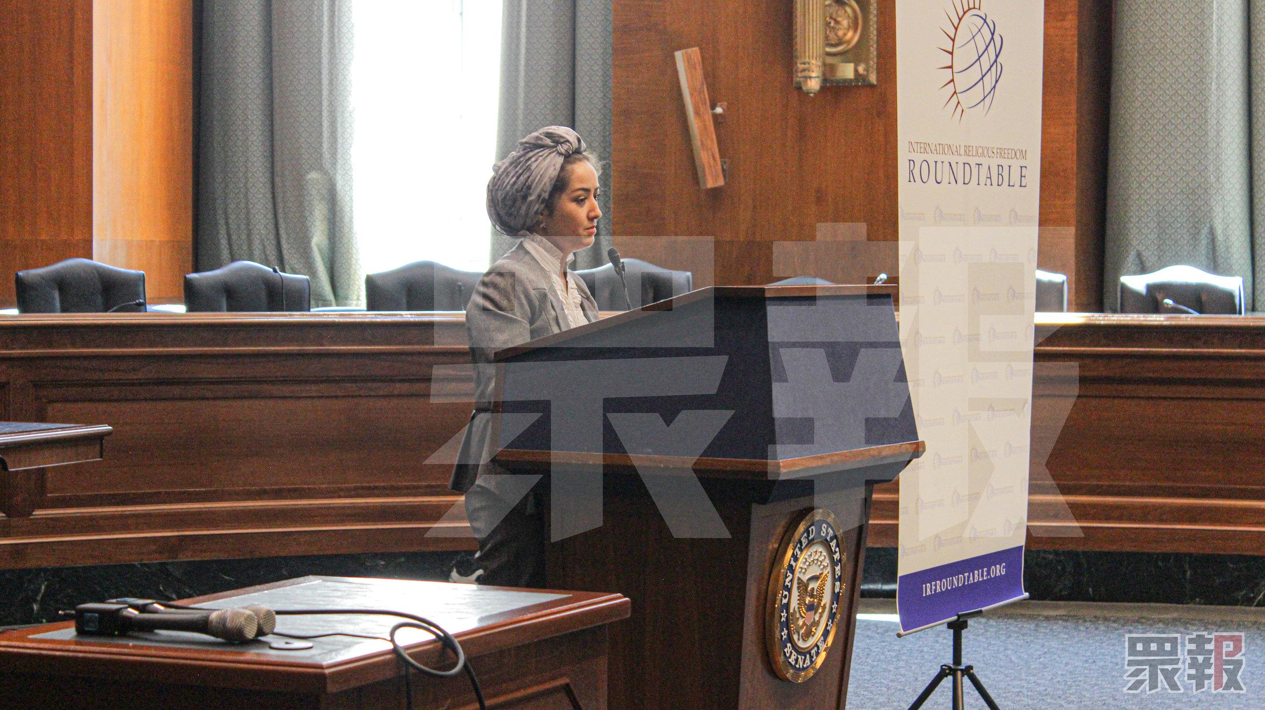 米娜(Mihrigul Tursun)透露自己的小孩在新疆因缺乏治療而去世。攝:國際中心/眾報