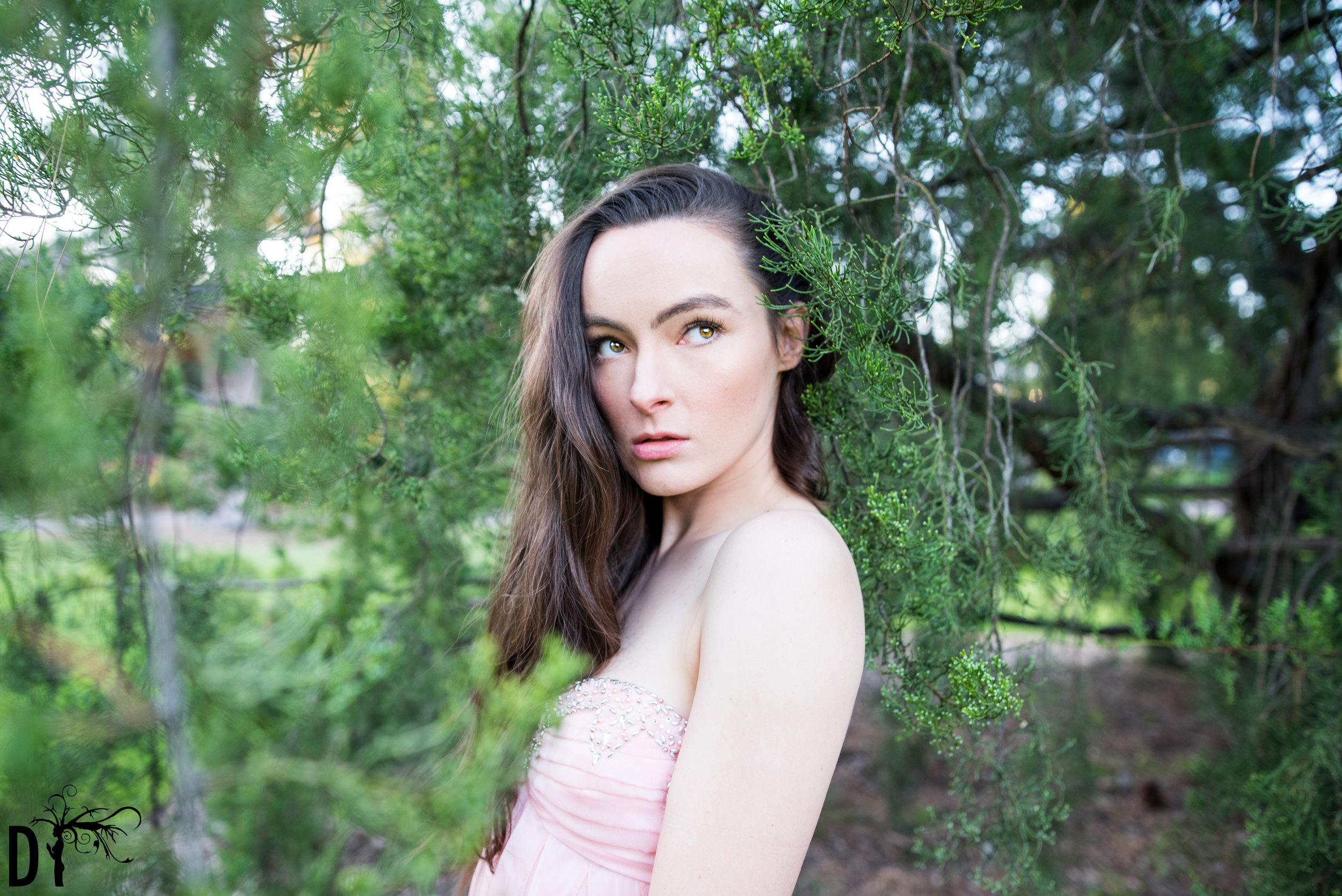 Laura (31).JPG