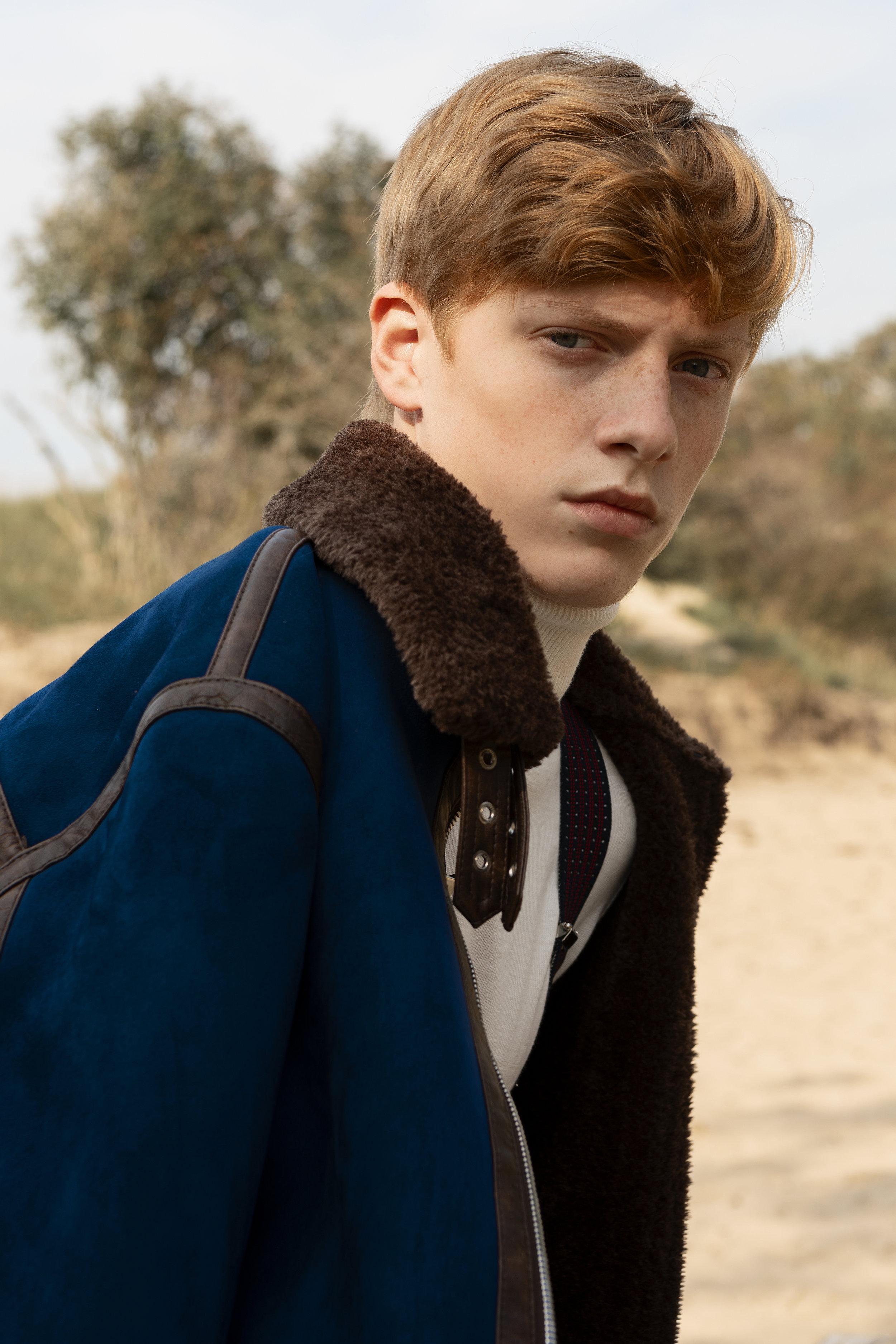 Turtle neck River Island, suspenders stylist wardrobe, jacket Zara.