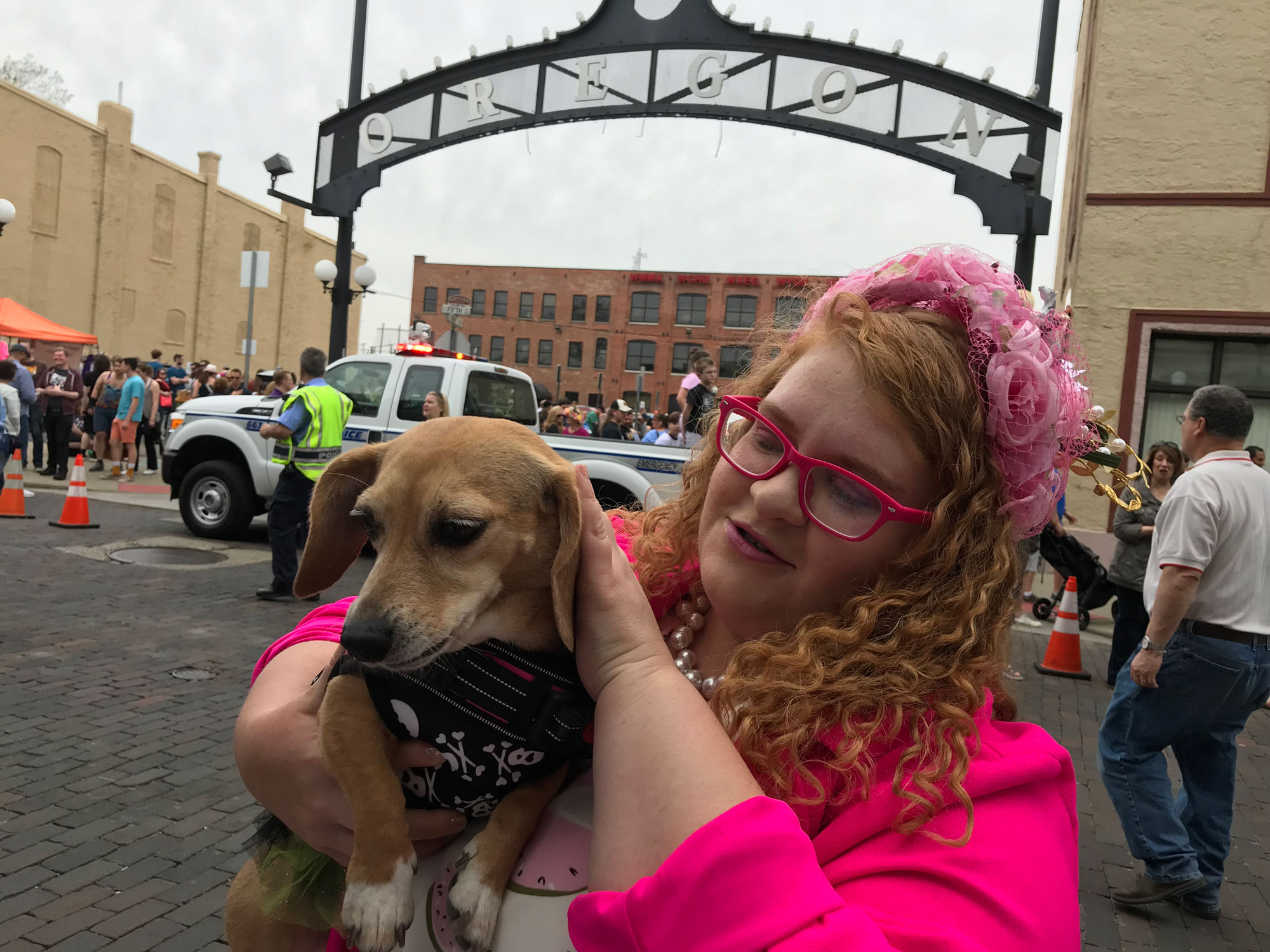 Pink-Woman-Wiener-Dog-Dash-WAGTOWN.jpg
