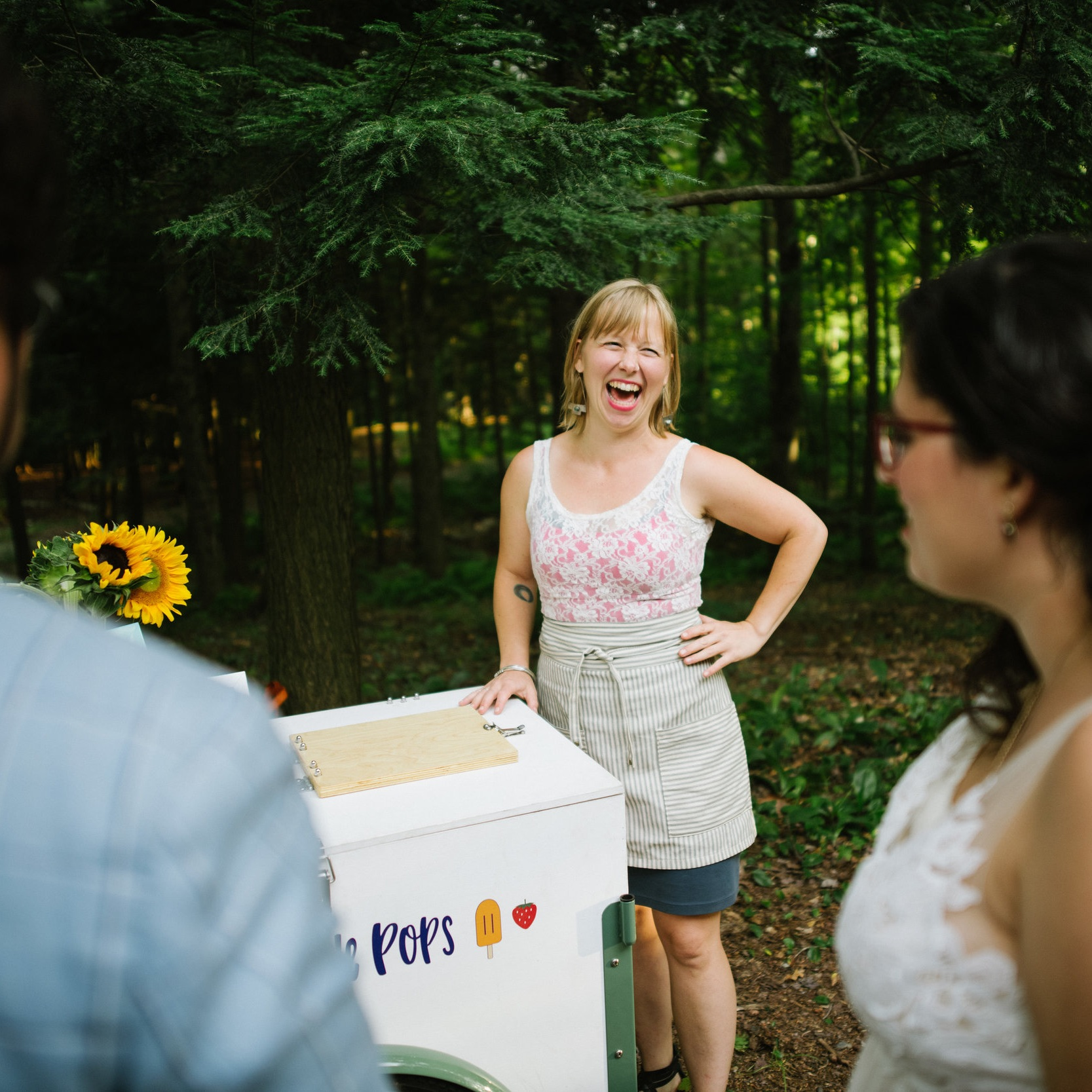 Serving pops at a Vermont wedding. (photo by  Duback Photography )