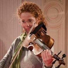 Judit Földes - Violista, direttore musicale e artistico dell'Orchestra Giovanile Crescendo e vicepresidente presso Associazione Culturale Orchestra Crescendo