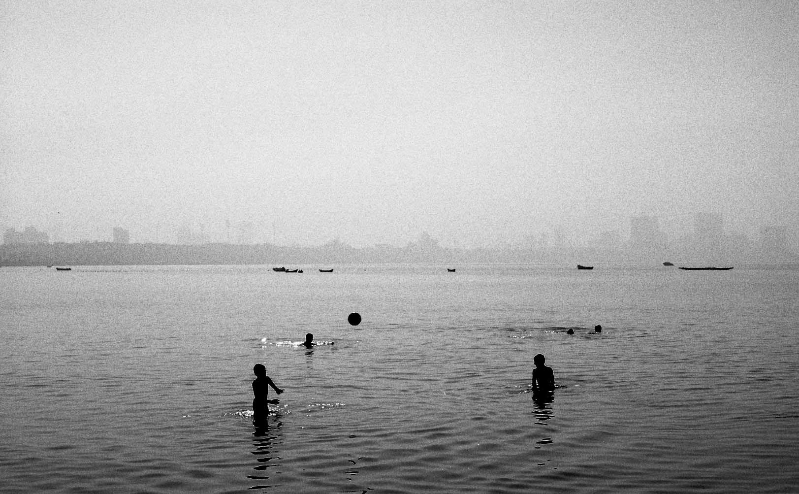 "Mumbai - India 2016  This picture won an award ""While Away"" - Lisbon 2017"