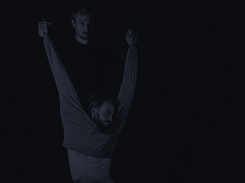 15. Fluctus Teatro - Comic acrobatical combat