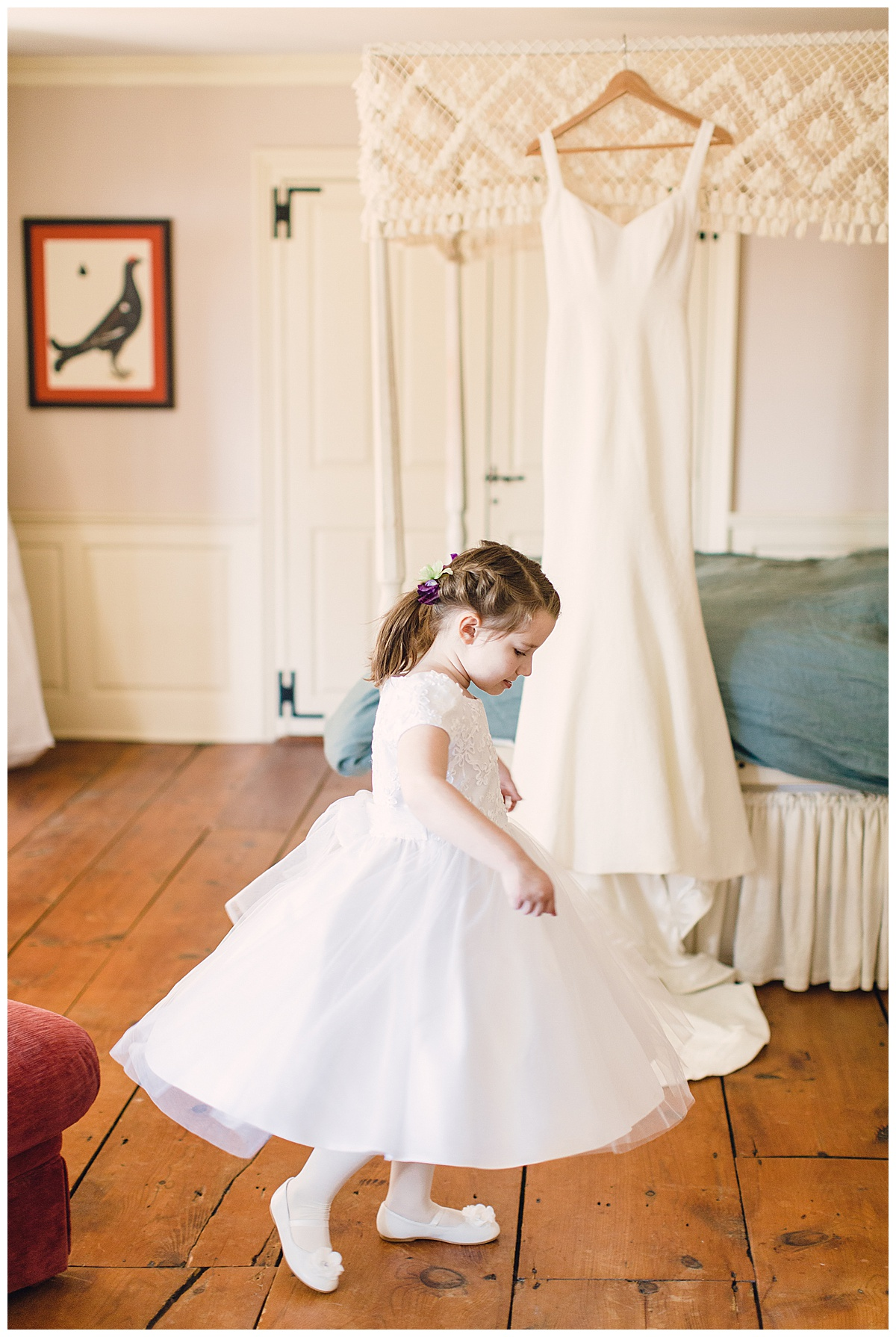 flower girl with wedding dress