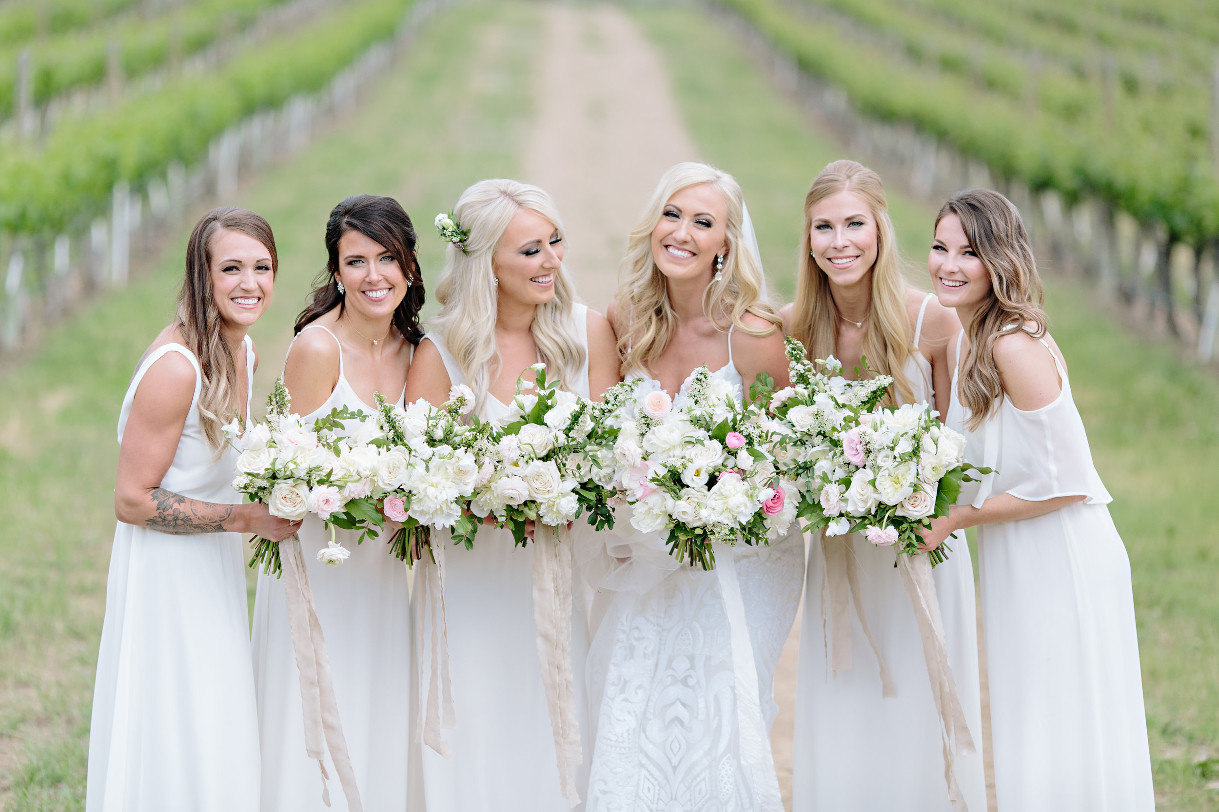 Spirit Ridge Resort Wedding Bridesmaids Bouquets.jpg
