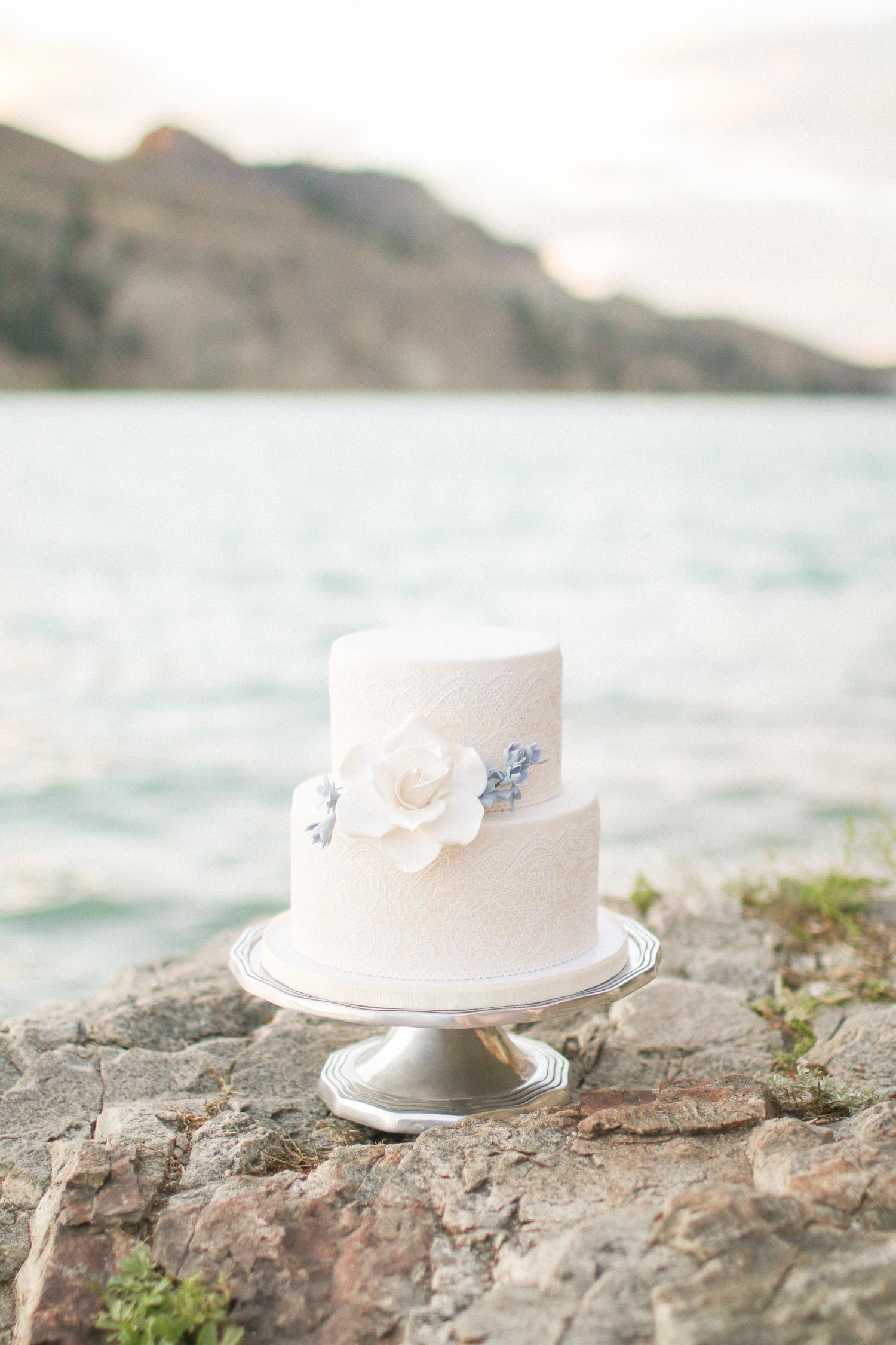 Okanagan Wedding Cake.jpg