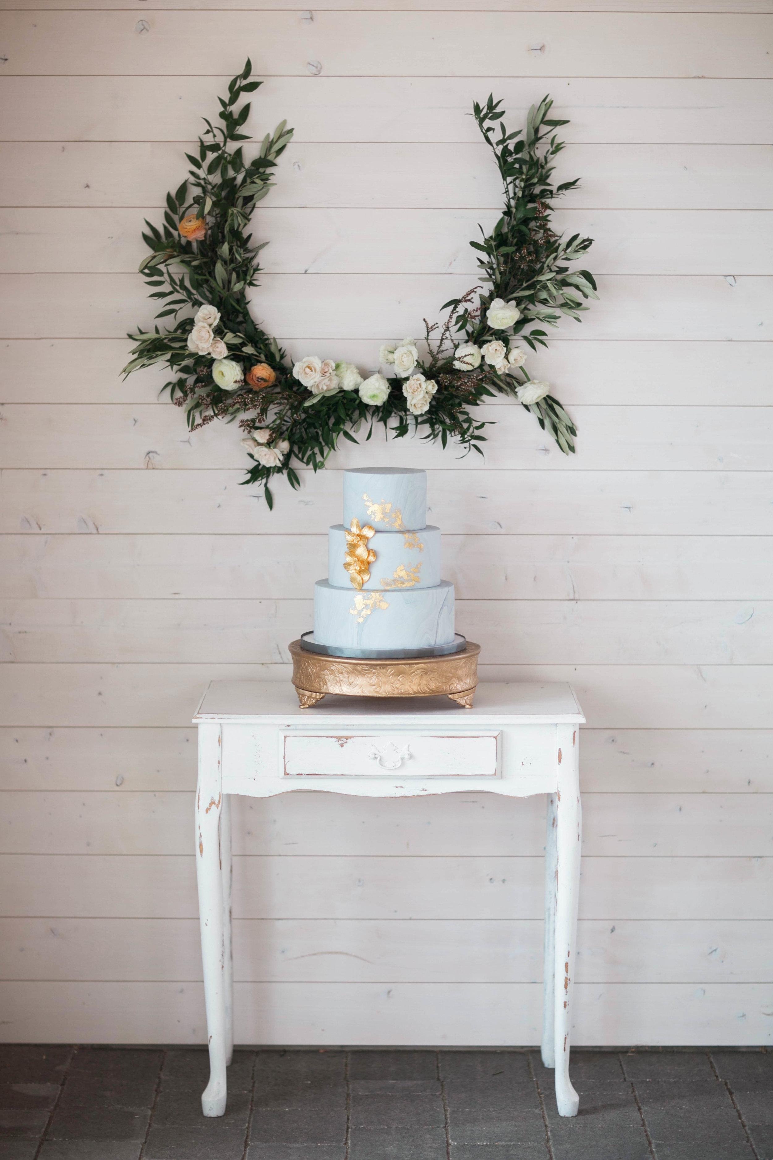 Kelowna Wedding Designer Cake.jpg