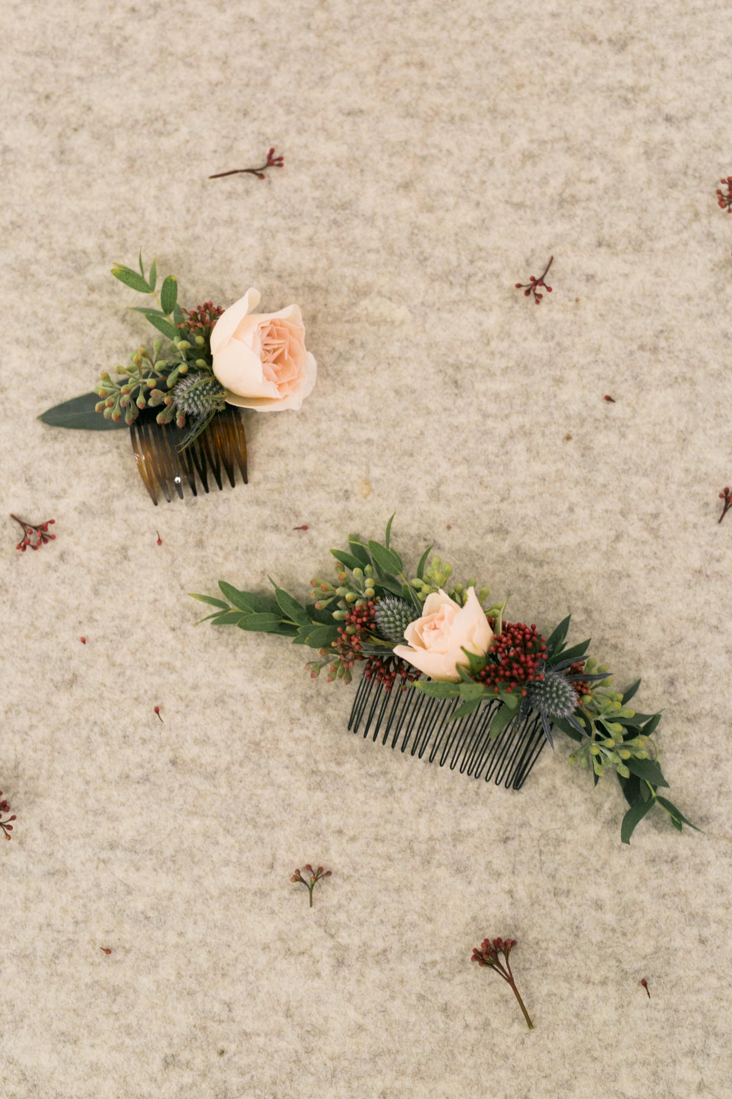 Okanagan Wedding Flower Combs