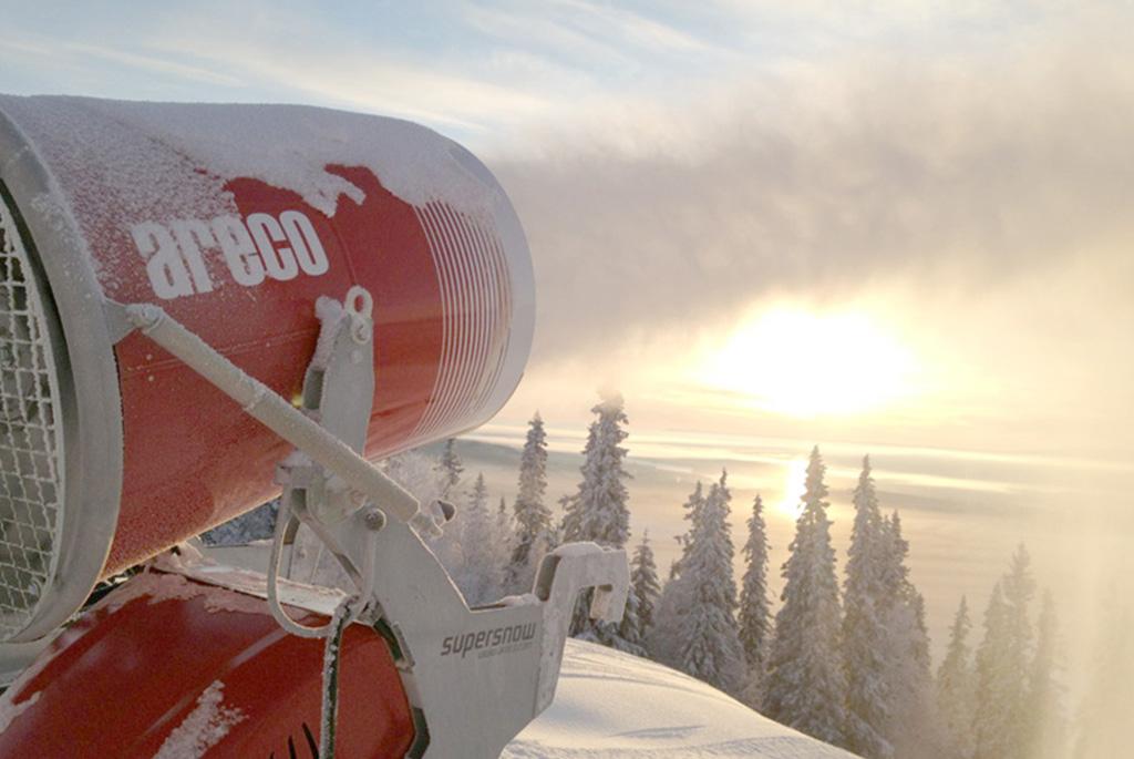 Areco Snow machine